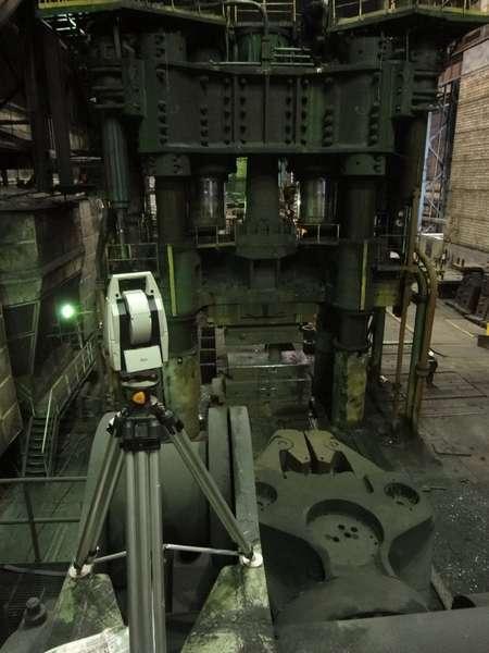 Метрологический контроль положения осей базовых деталей гидравлического пресса силой 120 МН (SMS)