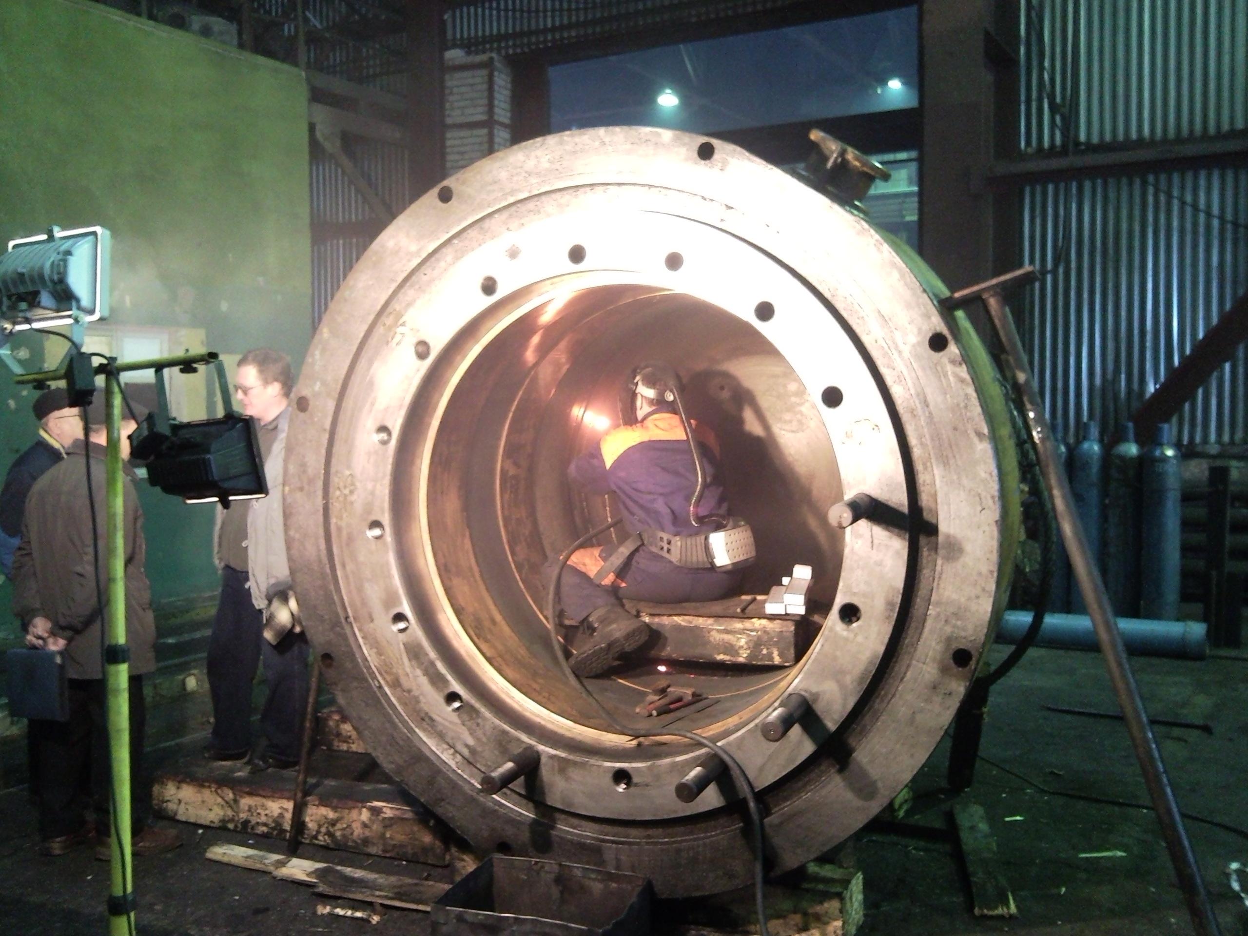 Восстановительный ремонт сваркой рабочего цилиндра гидравлического штамповочного пресса силой 100 МН (УЗТМ)